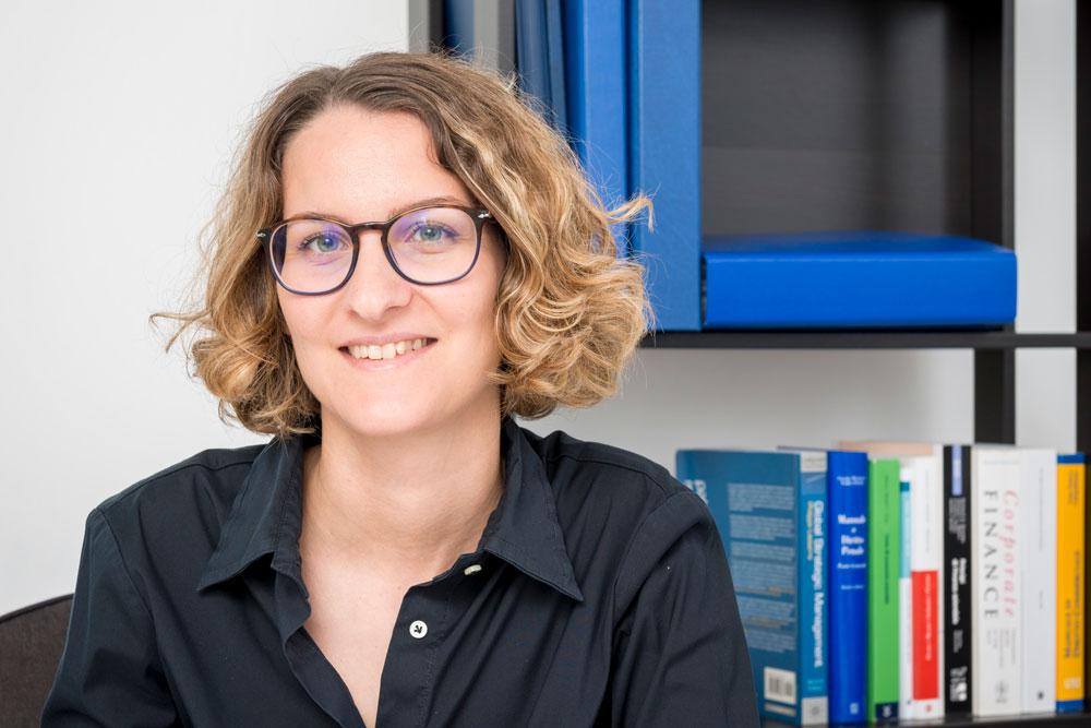 Giulia Roncoroni - Dottore Commercialista e Revisore Legale